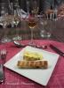 Bleu du Shopshire au rocou, affiné par Alléosse, et son toast de pain de mie japonais aux céréales et beurre d'épices. Mars Komagatake 57%