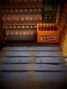 Le dernier bac de Jupiler... (Photo Bramus)