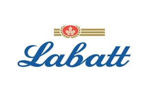 Labatt met de la lime dans sa Bleue