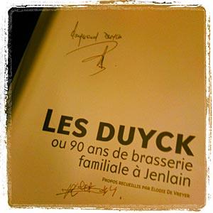 Le livre Les Duyck dédicacé par Raymond et Robert