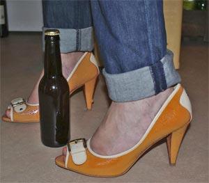 Des filles, du orange, des bières… ou un sort !