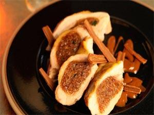 Filets de pintade farcis au pain d'épices et jus gourmand à la bière de Noël ©Sonia Ezgulian / Brasseurs de France