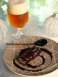 Mini-bûche en robe de chocolat noir et bière de Noël