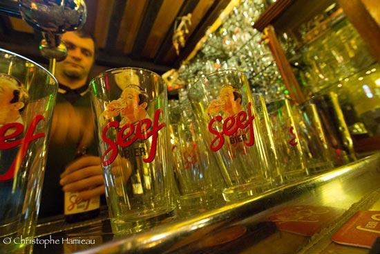 Le très esthétique verre de la Seef Bier