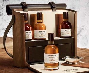 Les 4 flacons et le coffret Aberlour Wood Essence
