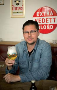 Yan Sorgi et son verre Duvel Collection