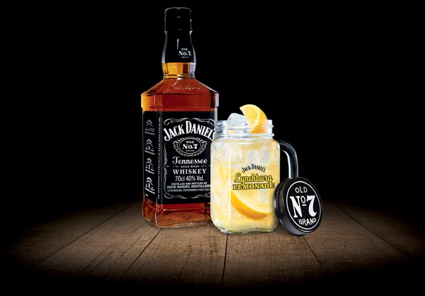 Jack Daniel's et cocktail Lynchburg Lemonade