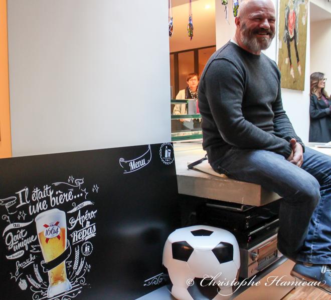 Le Chef Phillipe Etchebest lors de la présentation de ses plateaux TV pour l'Euro 2016
