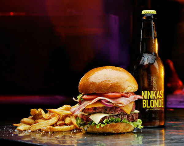 Bière et burger au Ninkasi Vaise