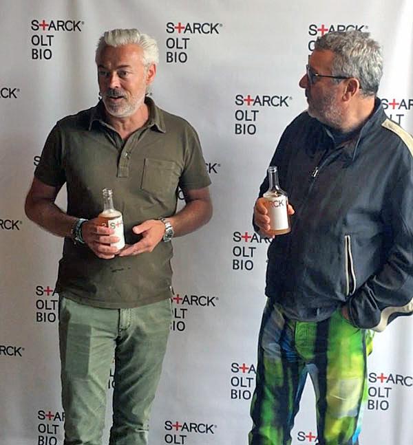 Sébastien Blaquière (à gauche) et Philippe Starck lors de la présentation officielle de la bière