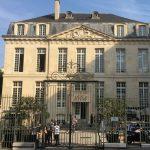 1664 s'offre un hôtel particulier et Une Saison à Paris