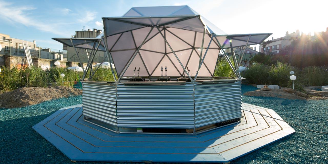Avec La Brasserie Fondamentale  posez vous à la capsule bar de La Base Filante