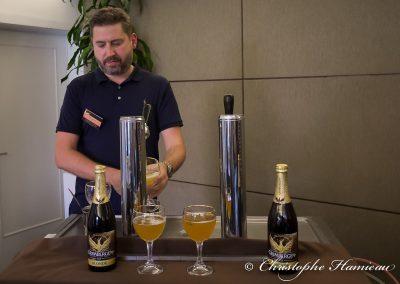 Dégustation d'une bière brassée au Musée de la Bière d'Abbaye