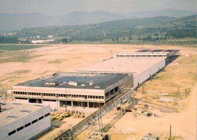 Construction de la zone d'embouteillage en juin 1968