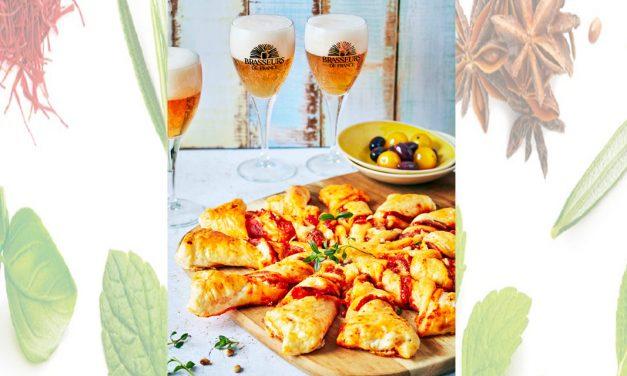 Tarte soleil au pesto de poivron, jambon cru, fromage, pignons de pin