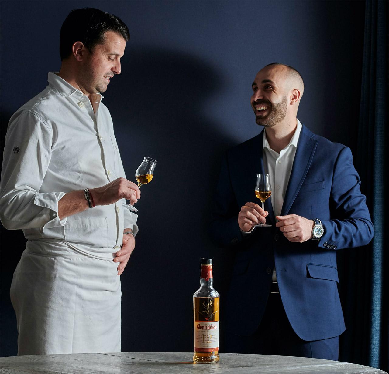 Le Chef Julien Boscus et Jerôme Kaftandjian (Brand Ambassaror France) dégustant le Glenfiddich 12 Ans Triple Oak