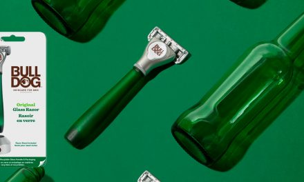 Le rasoir en verre recyclé de Bulldog SkinCare